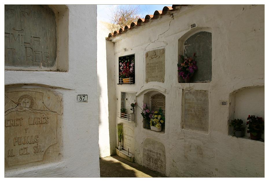 [ cementerio de Tossa III ]