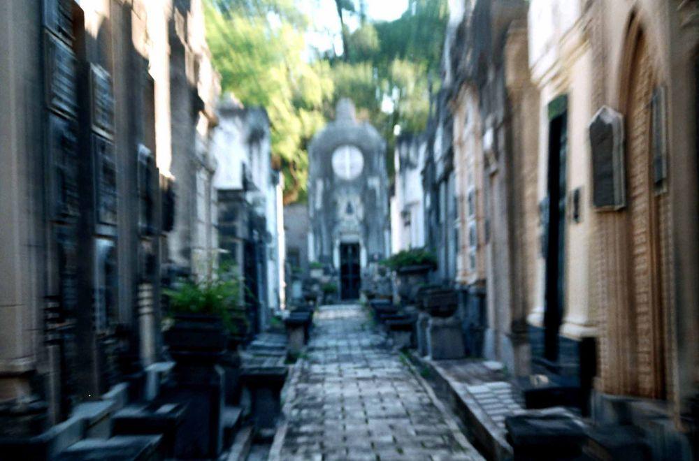 Cementerio del oeste tucuman argentina imagen foto for Cementerio jardin del oeste