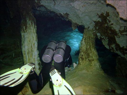 Cenote Dos Ojos #1