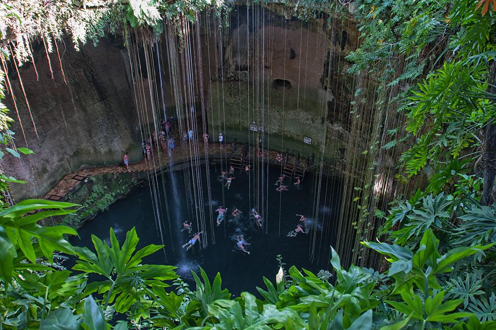 Cenote Sagrado Azul...