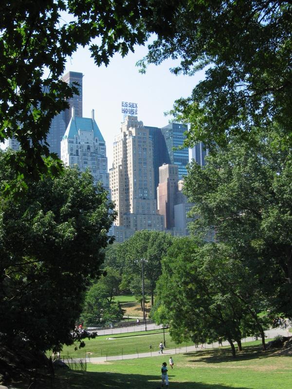 Central Park East mit Blick zur Park Avenue