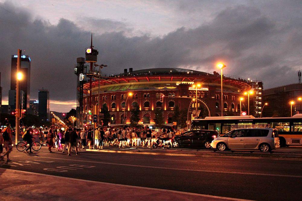 """Centro comercial """"Las Arenas"""""""