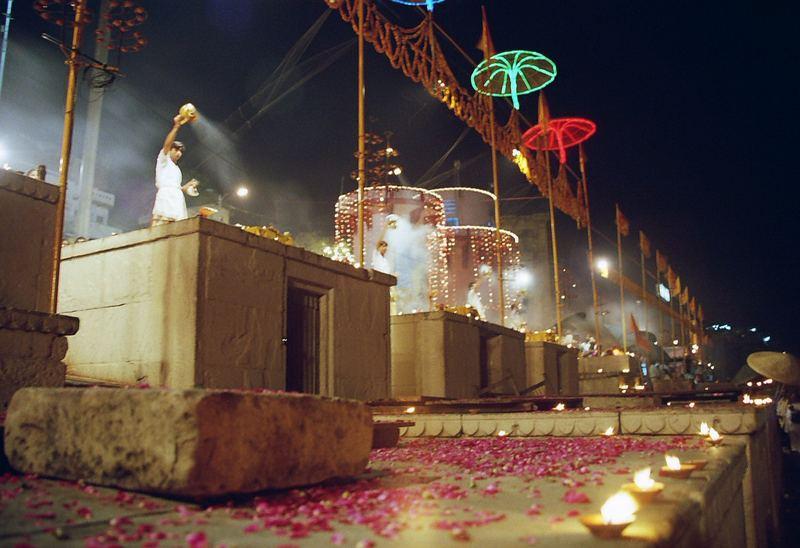 Cérémonie pour le Gange 2