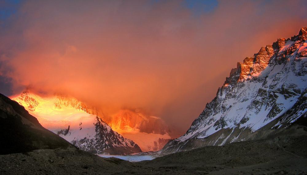 Cerro Torre hiding at dawn