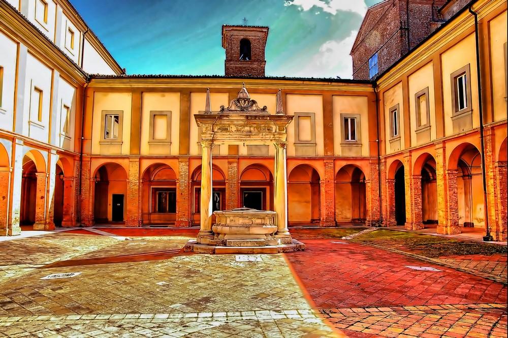 Cesena Chiostro S.Maria del Monte