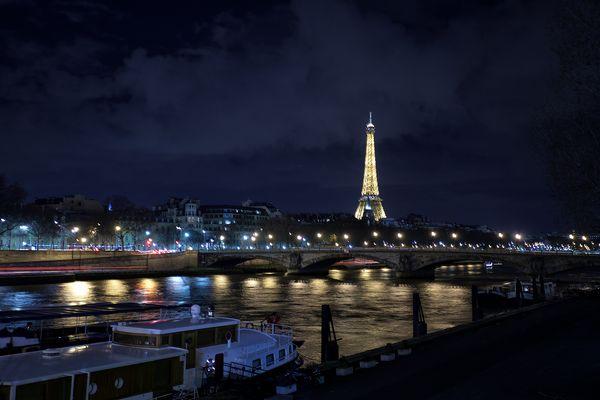 """""""C'est beau une ville la nuit"""" .."""