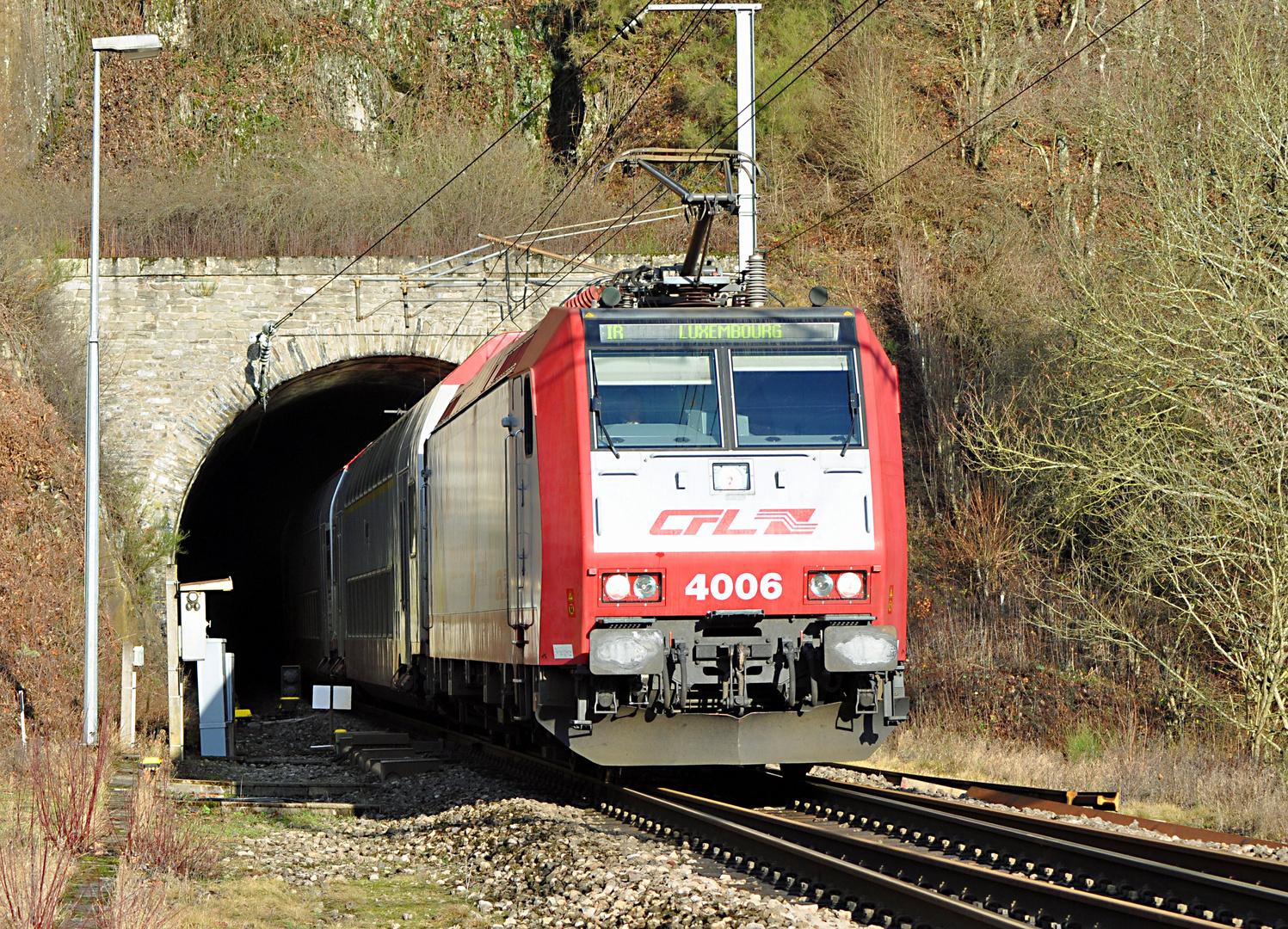 CFL 4006