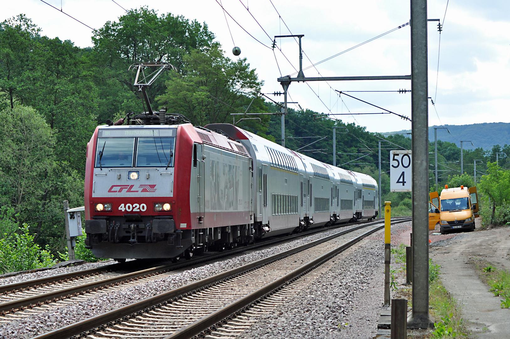 CFL 4020