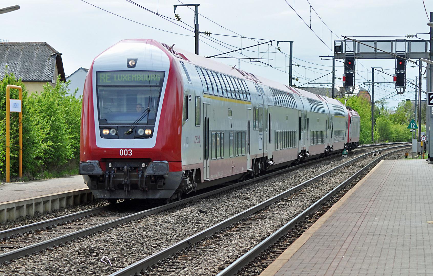 CFL STW 003 mit RE nach Luxemburg Einfahrt HP Berchem