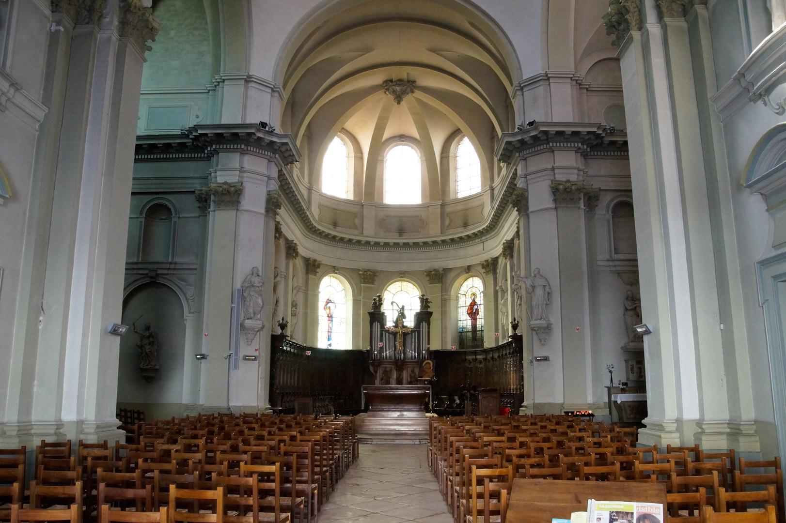 Chalon sur Saone Kathedrale Innenansicht 2013