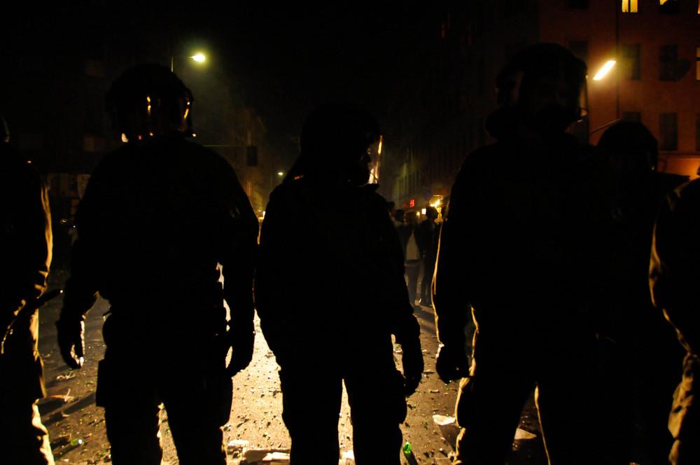 Chaos au milieu de Kreuzberg lors des nuits du 1 Mai