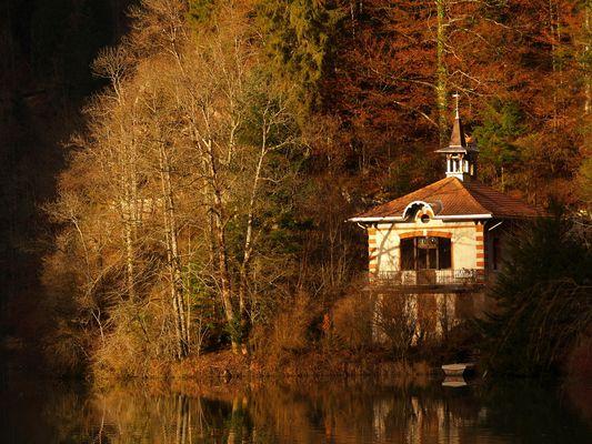 Chapelle sur le Doubs en Suisse