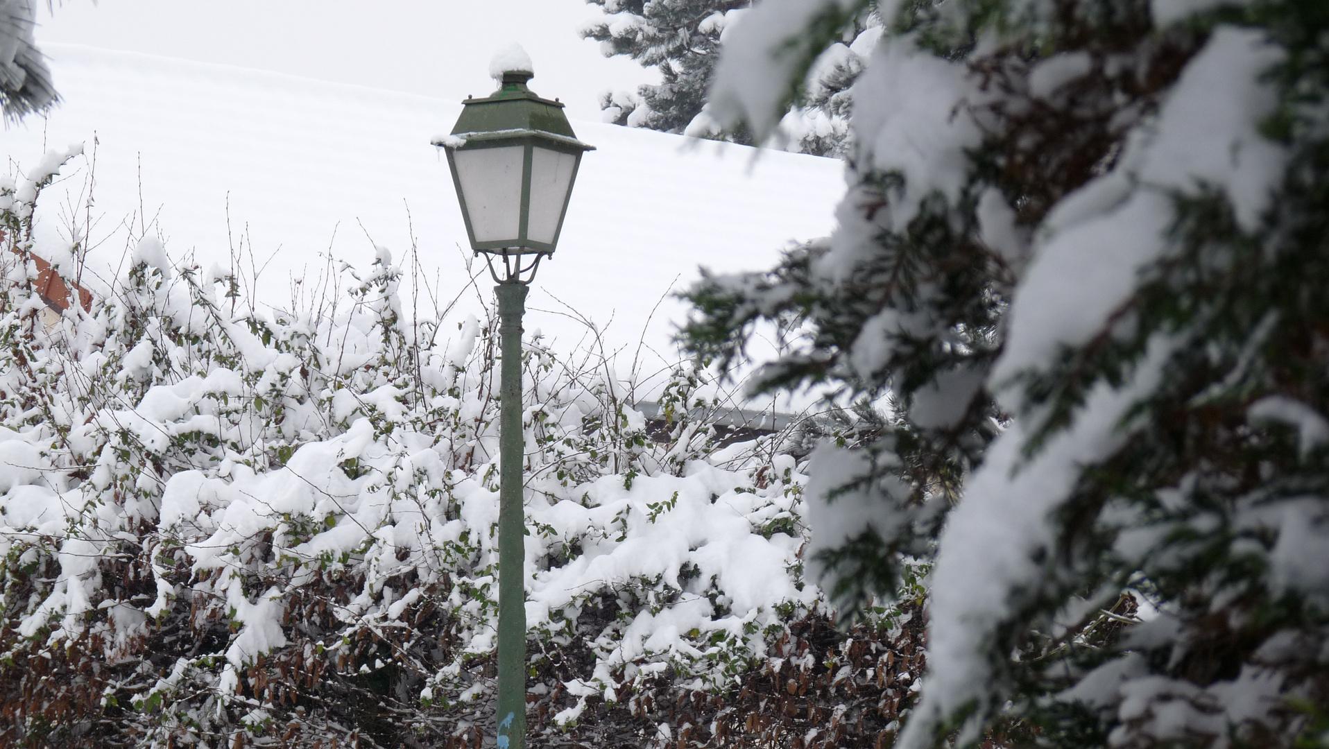 CHAPONNAY (Rhône) France - sous la neige