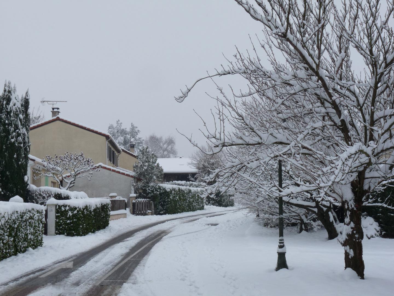 CHAPONNAY (Rhône) - France - sous la neige