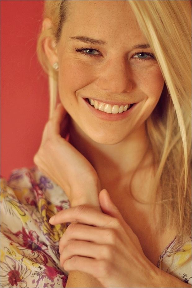 **charming smile**