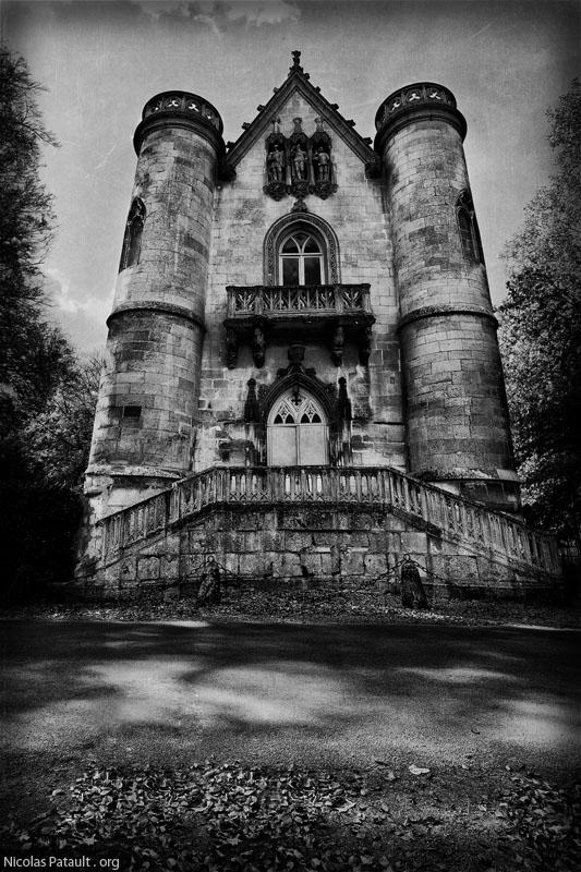 Chateau de la Reine Blanche en noir et blanc