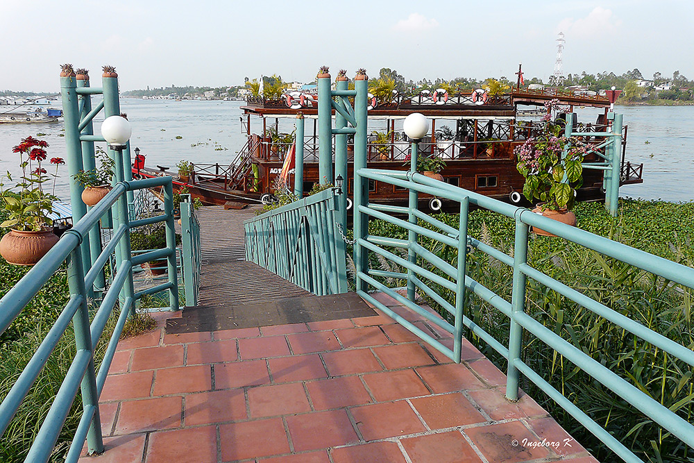 Chau Doc - Bootssteg zum Mekong und den Fährschiffen