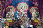Chau Doc - Buddhistischer-/ Hindutempel - Altar 1