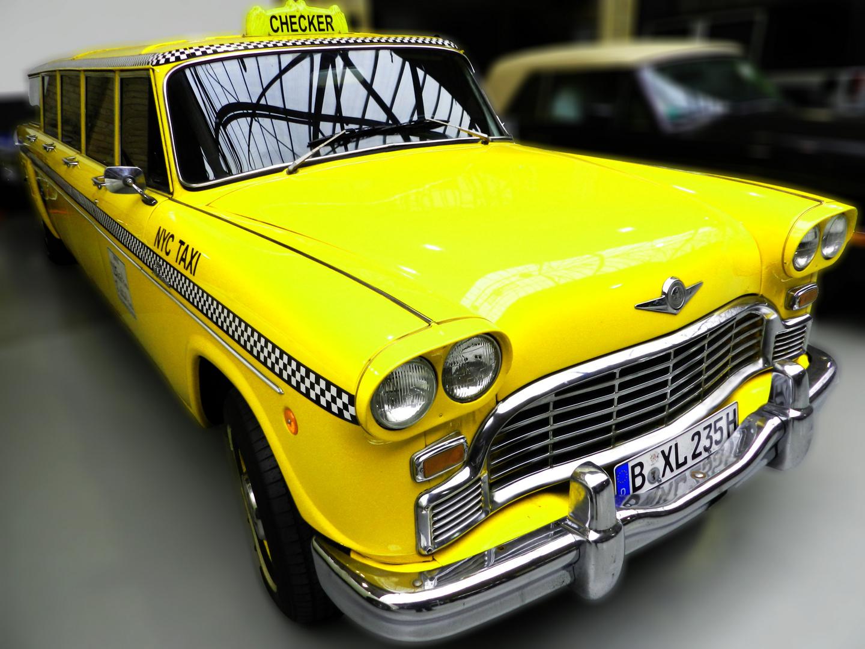 Checker Taxi XL