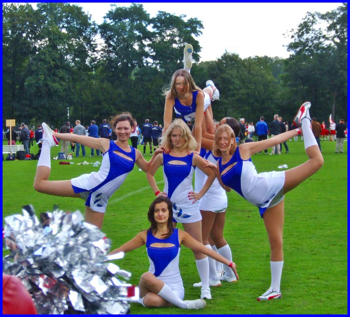 Cheerleader from RU-3