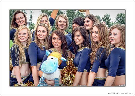 Cheerleader .... Hot Spurs .... Riders Schiefbahn