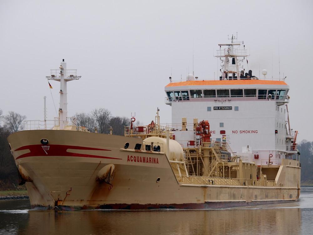 Chemietanker ACQUAMARINA auf dem Nord-Ostsee-kanal