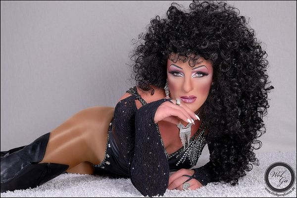 Cher?????