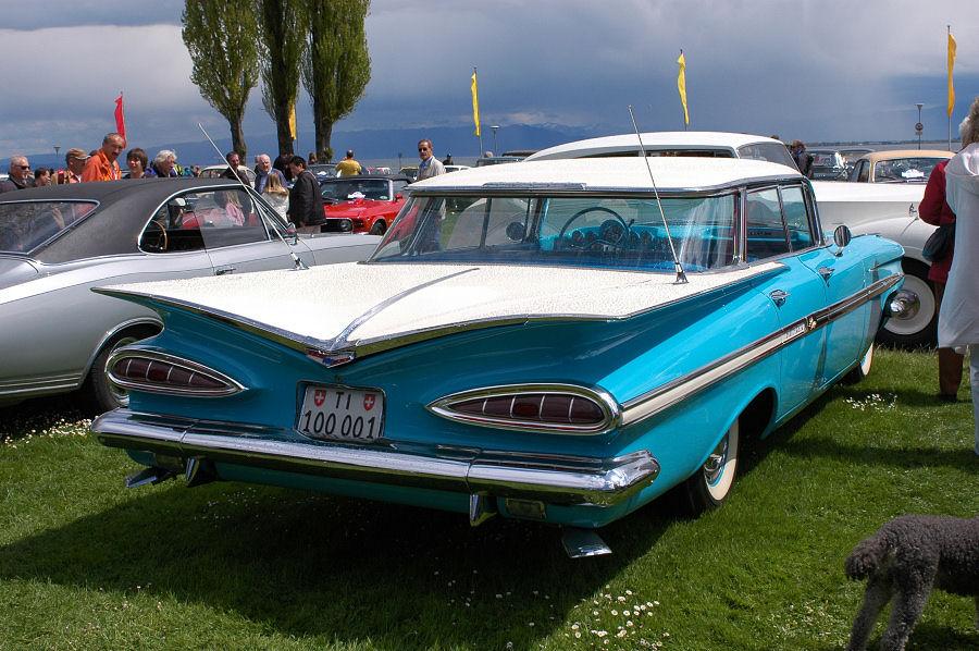 Chevrolet Impala mit seinen Flügeln