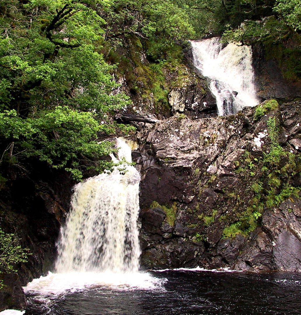 Chia Aig Falls & Witchpool 2002