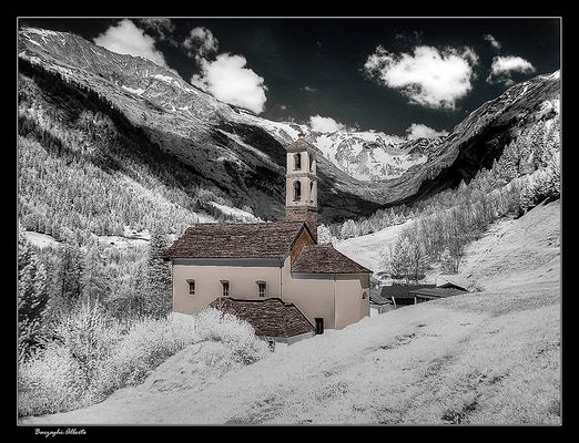 chiesa di montagna-infrared