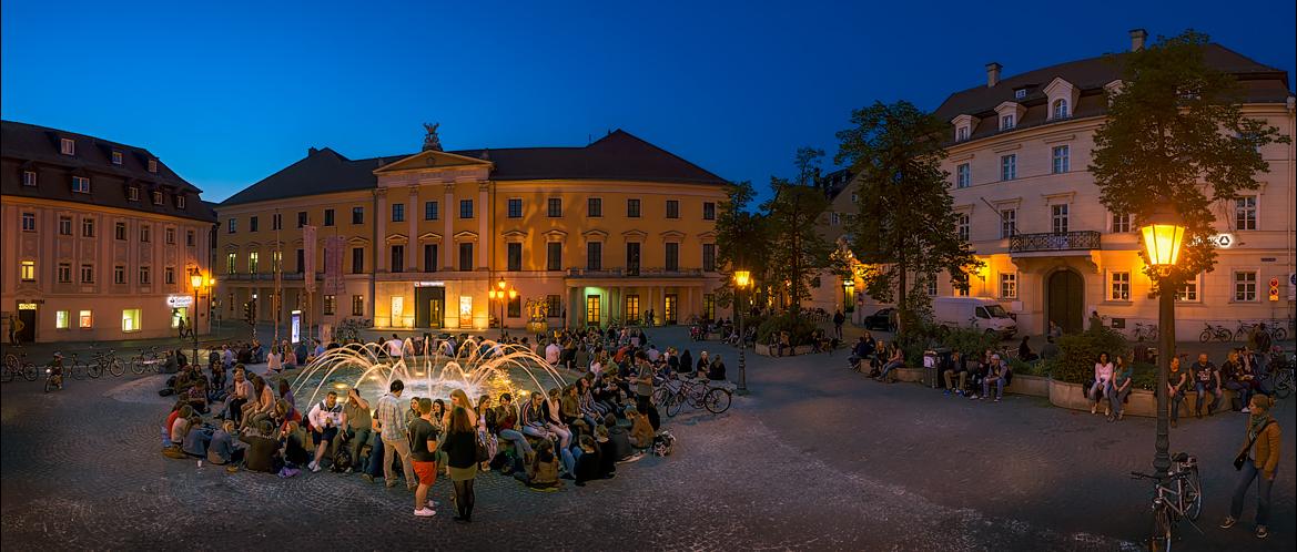 Chillen am Bismarckplatz in Regensburg