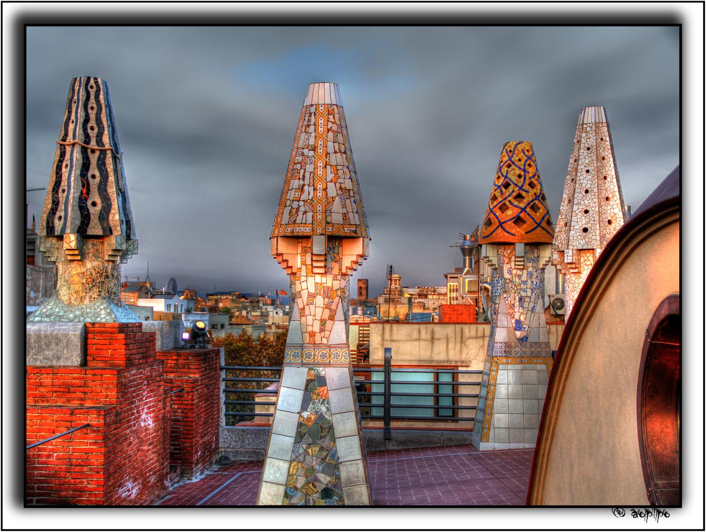 Chimeneas de Gaudi (2)