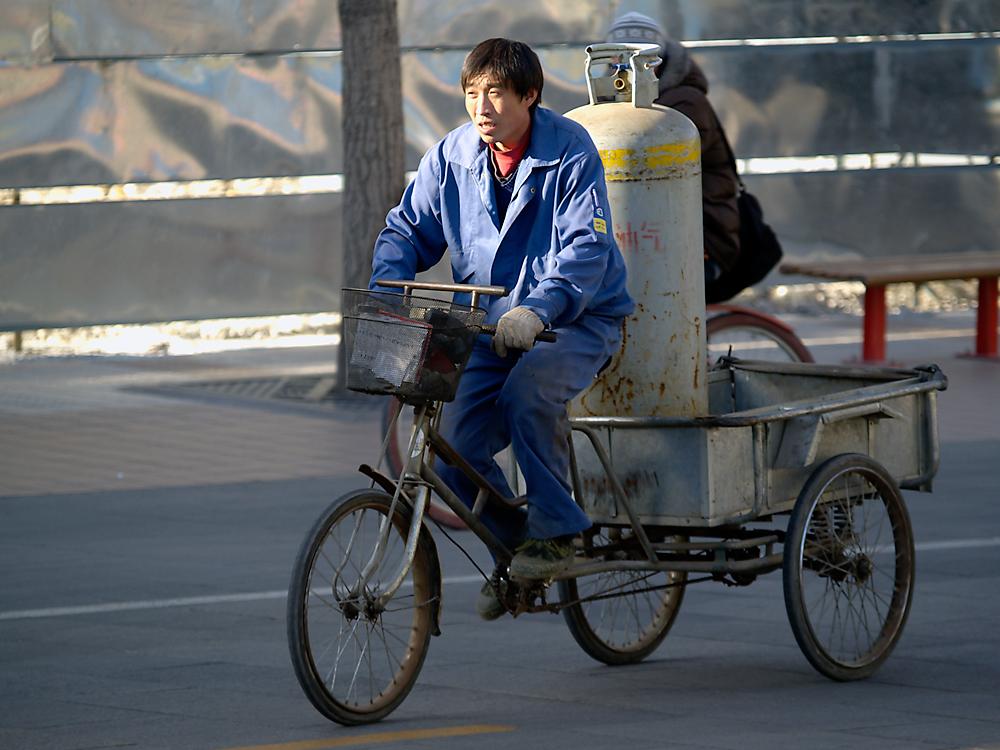 Chinesischer Gefahrgut-Transporter