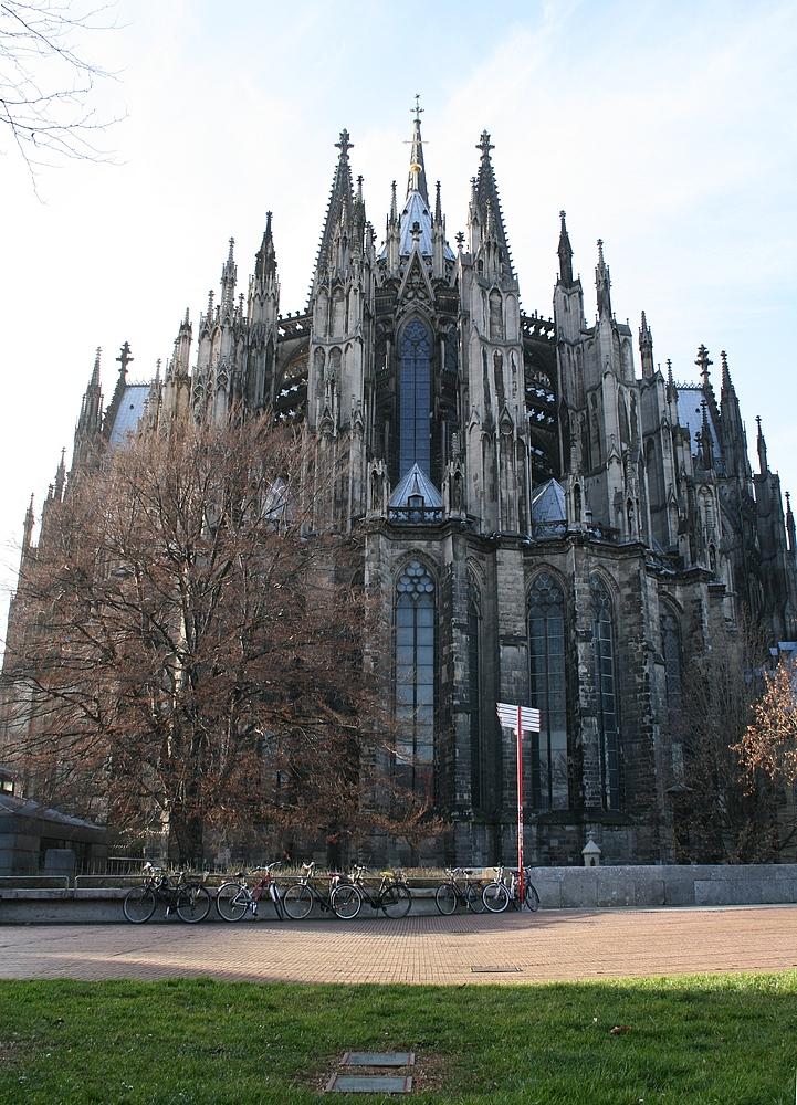 Chorabschluss von Osten, Kölner Dom Hochformat (29.11.2011) (7)
