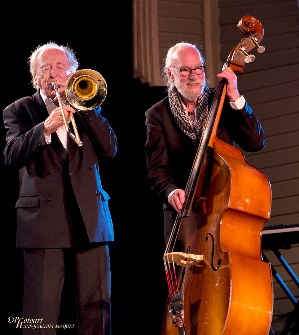 Chris Barber, Jackie Flavelle