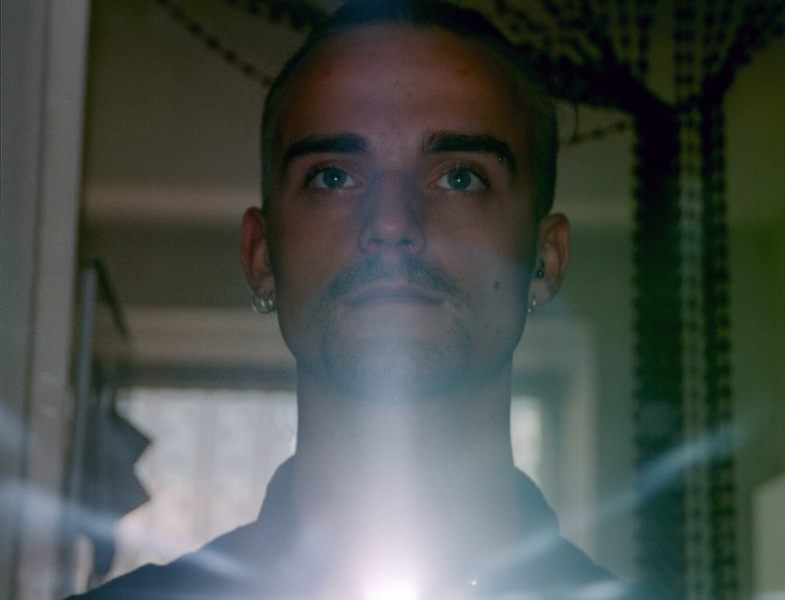 Chris vorm Spiegel