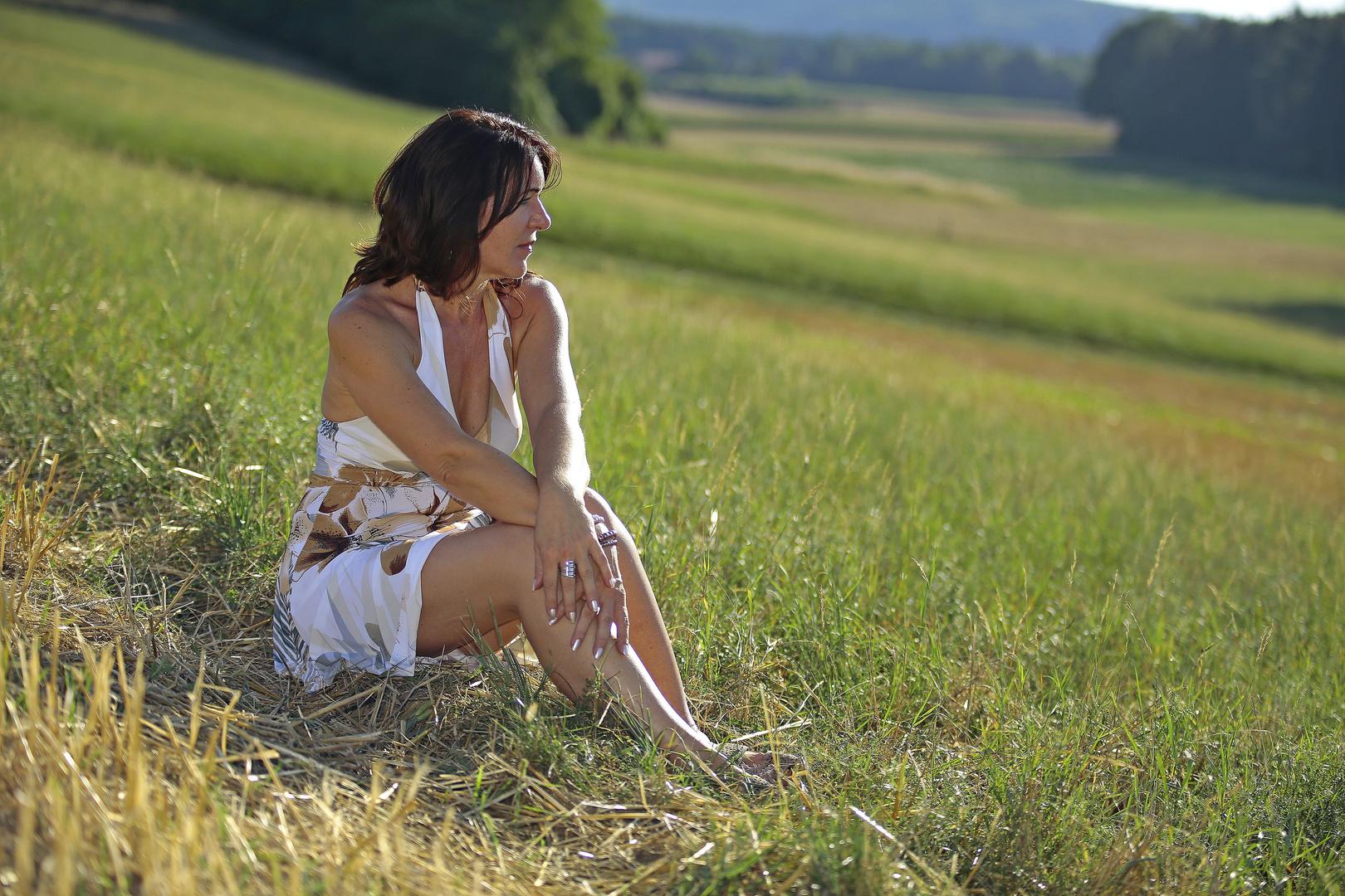 Christa_verträumter Blick ins Land