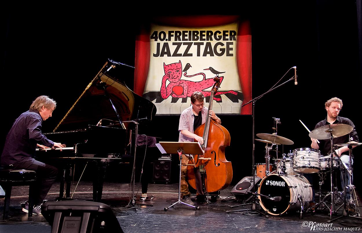 Christof Stiefel INNER LANGUAGE Trio