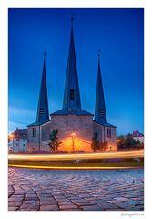 Christuskirche Bayreuth - mit Lichtstreifen