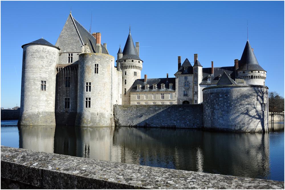 Château de Sully  sur  Loire  ( Pour Franky. )