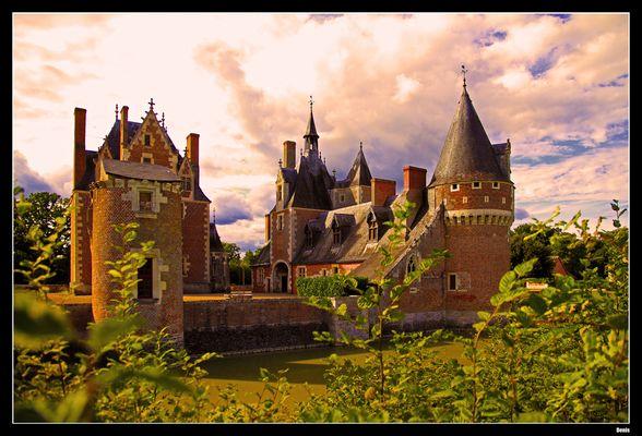 ...Château du Moulin...
