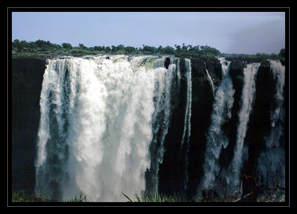 chutes VICTORIA (main falls) 2