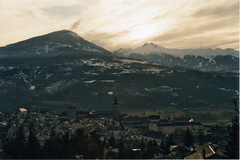 Ciel d'hiver sur Embrun