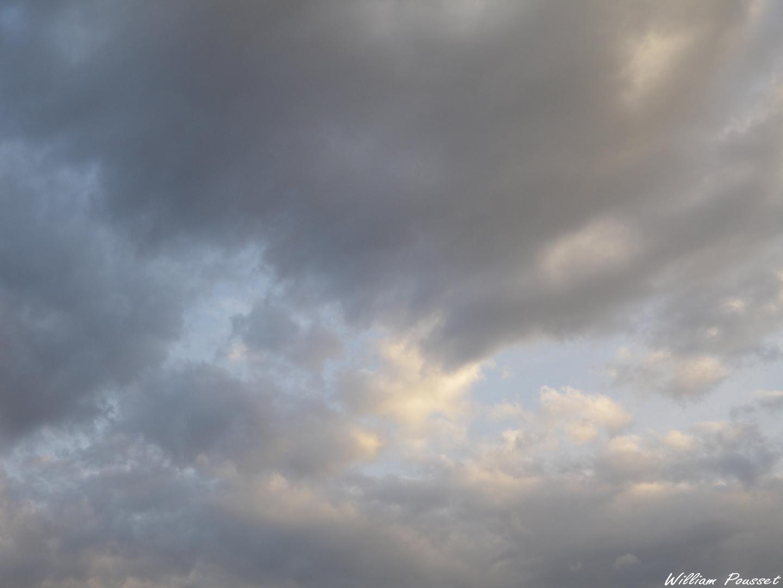 Ciel d'orage au crépuscule