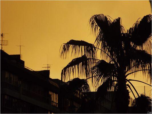 Ciel jaune à Alicantes !