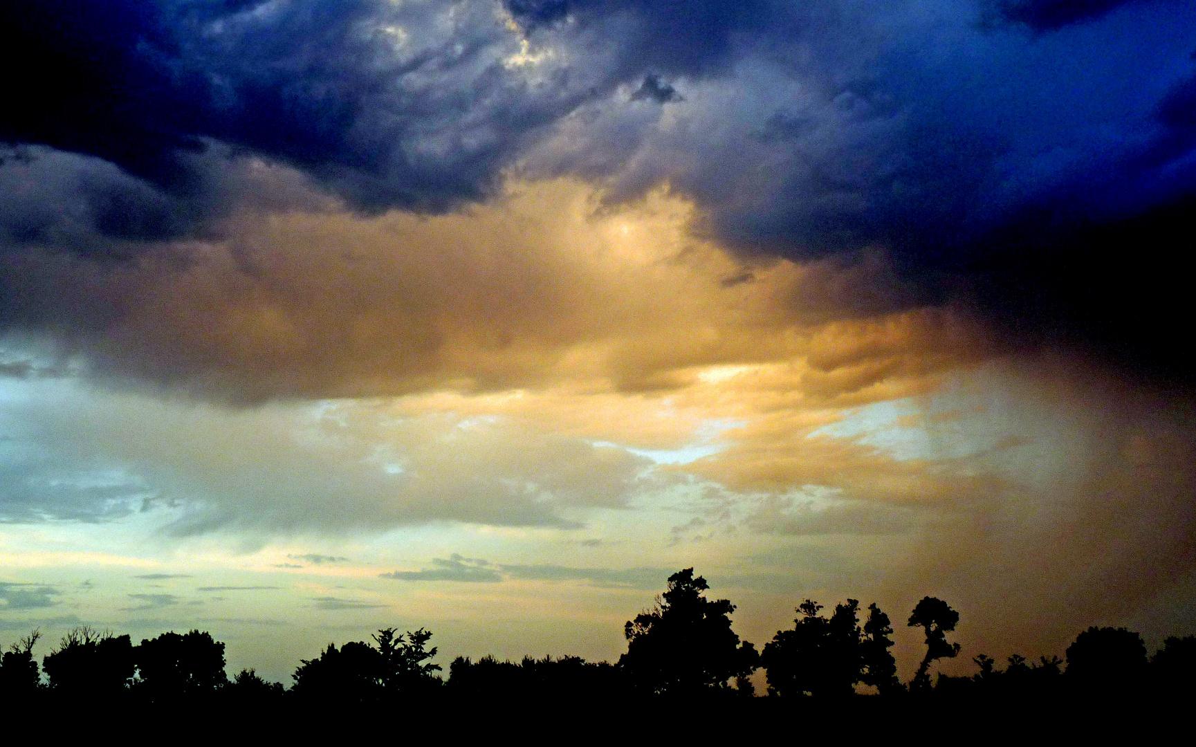 Ciel orageux d'été.