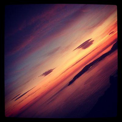 Ciel rouge pour journée noir
