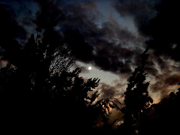 Cielo misterioso... / Mysterious sky...