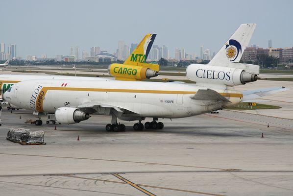 Cielos Cargo DC-10