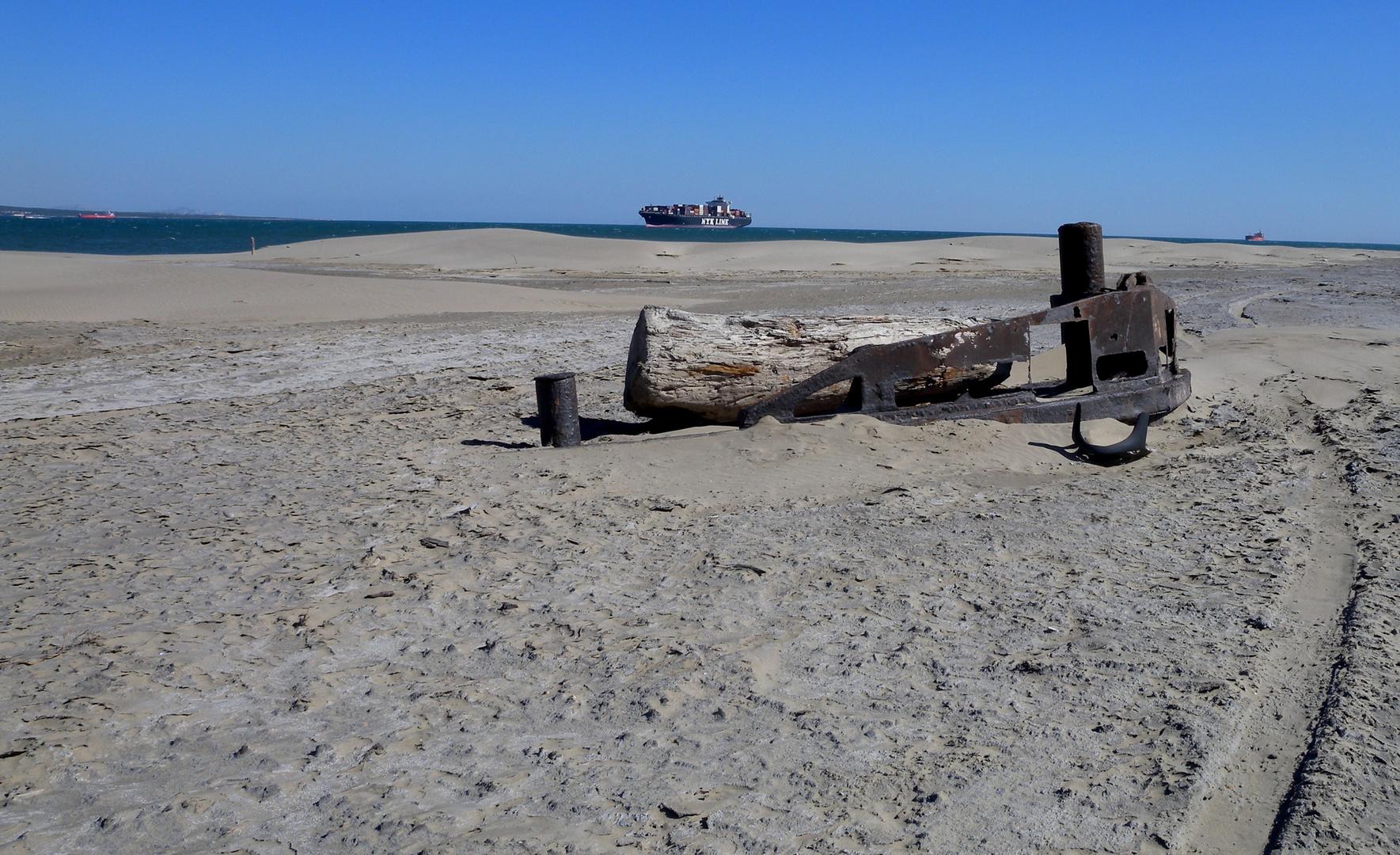 Cimetière des navires / Cementerio de barcos / Schiffsfriedhof...02